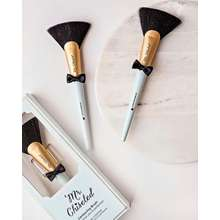 Too Faced Mr. Chiseled Contouring Brush